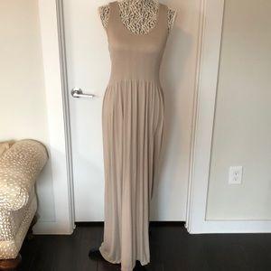 Dresses & Skirts - 🌸🌸NWOT Beige Max Dress🌸🌸
